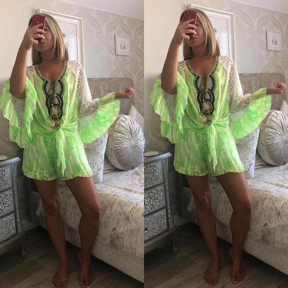 set short +blouse lime groen